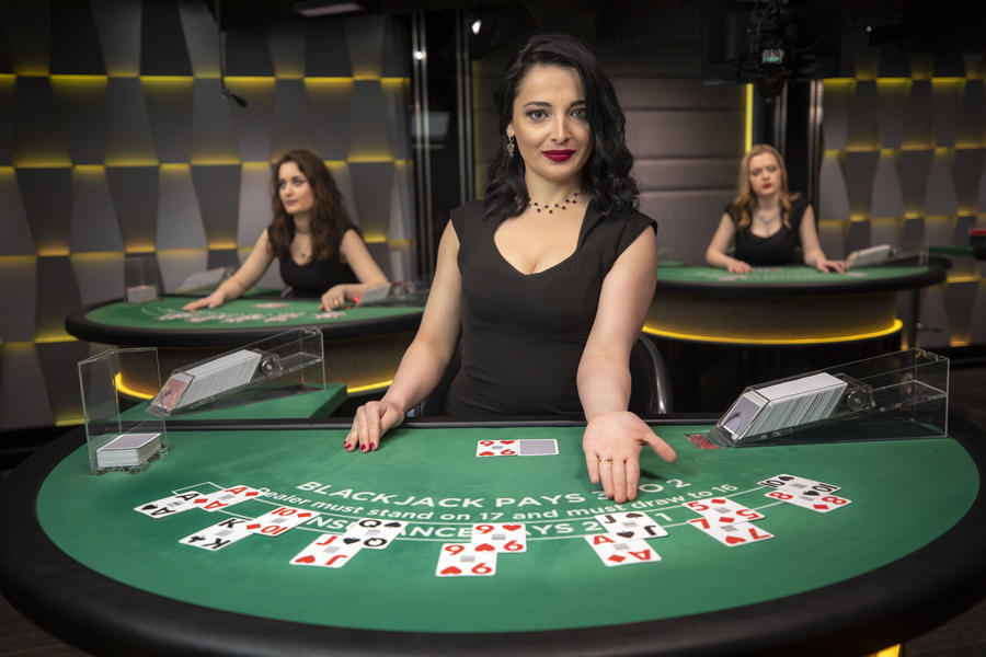 Why Poker Players Wear Shades Betting
